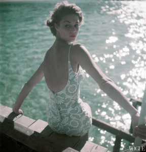 bathing-suits-in-vogue-1950-11-15-coffin_114244802345