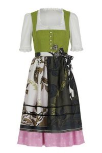 schumacherdirndl_article_gallery_portrait