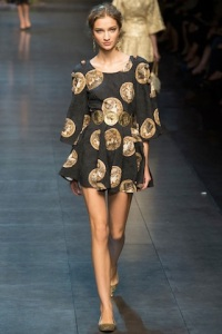 dolce-and-gabbana-rtw-ss2014-runway-32_120416176103