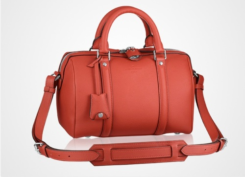 le_coppola_de_louis_vuitton_s___habille_d___un_rouge_cerise_pop_5435_north_990x