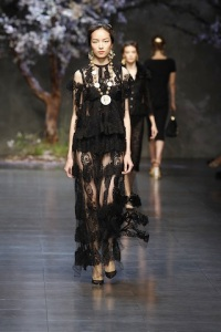 dolce-and-gabbana-ss-2014-women-fashion-show-runway-46-zoom